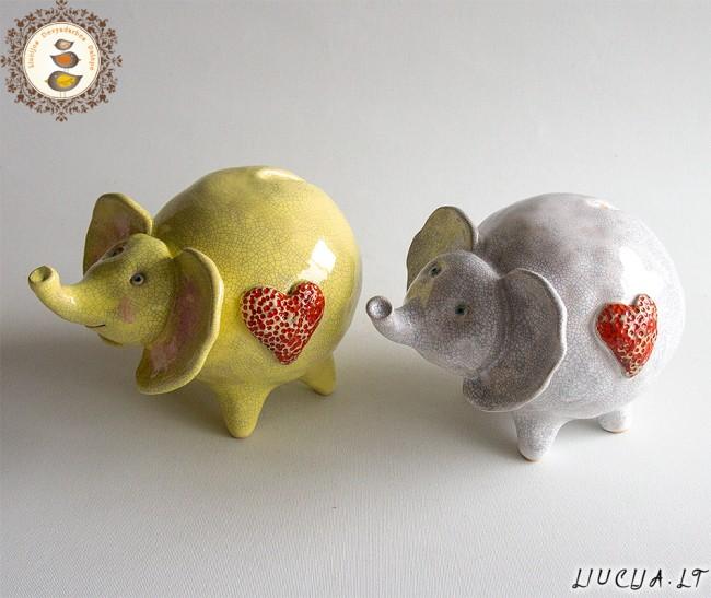 Taupyklės Laimės drambliai